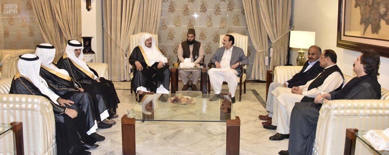 Глава Маджлис-Шура прибыл в Пакистан