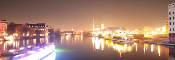 Le pont et Berlin Tower