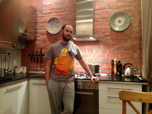 /дома на кухне/