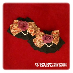 108P907-Lady Lilith cuffs
