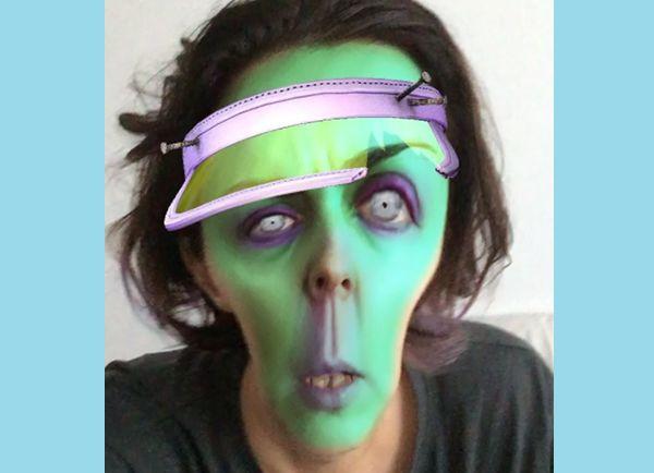 Экс-челнинка Ольга Шелест примерила виртуальные маски