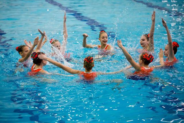 Олимпийская чемпионка пригласила челнинских синхронисток в своё водное шоу