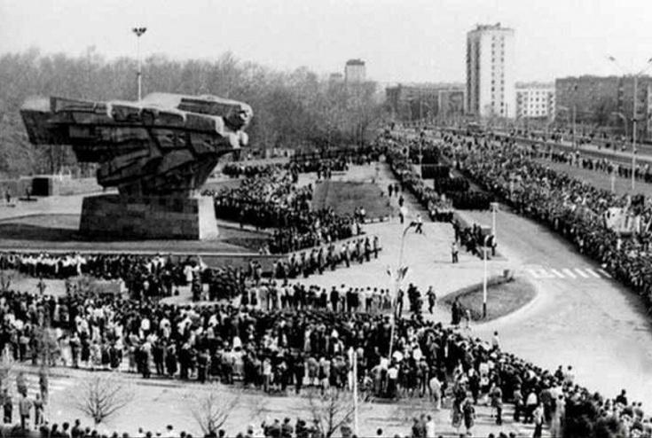 35 лет назад Набережные Челны переименовали в Брежнев