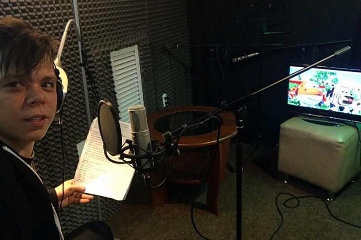 После концертов в Челнах певец Элвин Грей взялся озвучивать мультфильм