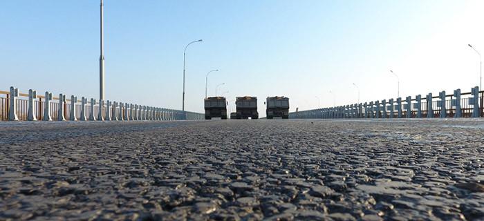 Новый мост через реку Белая протестировали КАМАЗами