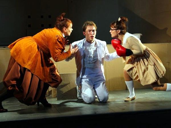 Спектакль «Ревизор» театра «Мастеровые» получил Гран-при фестиваля «Мост дружбы»