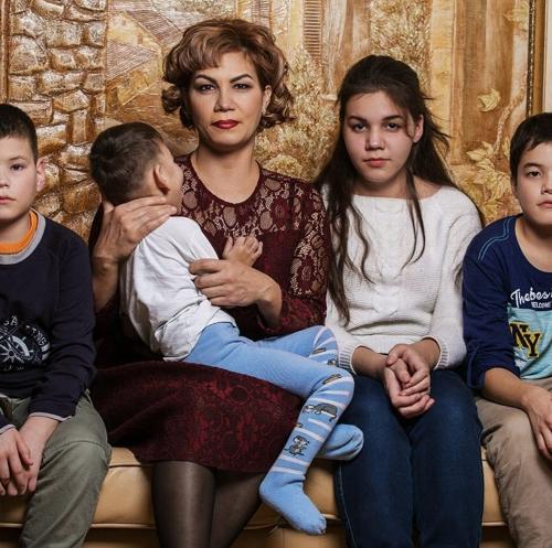 Предприниматель Эрик Гафаров устроил «Мамин день» для многодетной челнинки