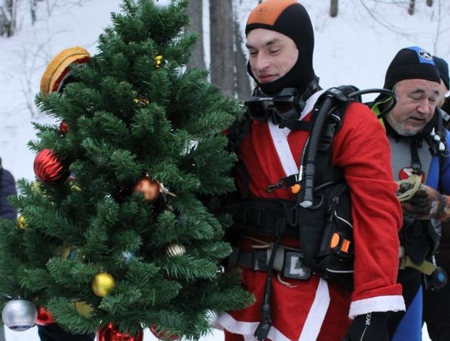 В Татарстане на дне озера установят елку