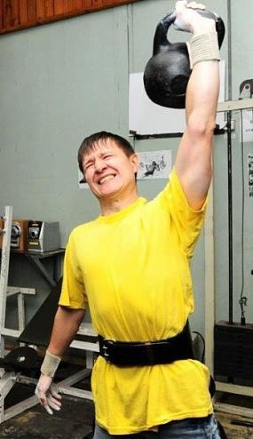 Атлеты «КАМАЗа» отдали призовой фонд соревнований на лечение другу-силачу