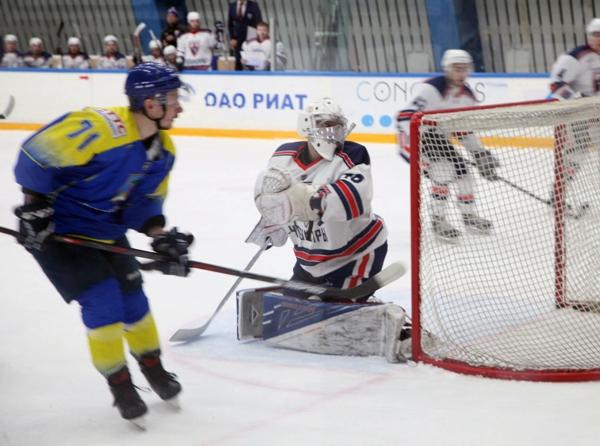 Хоккейный клуб «Челны» начал 2018 год с победы