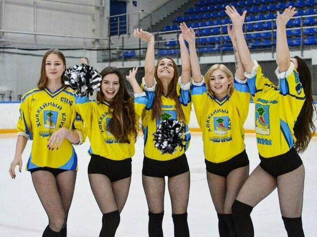В хоккейном клубе «Челны» объявили конкурс на самую красивую болельщицу