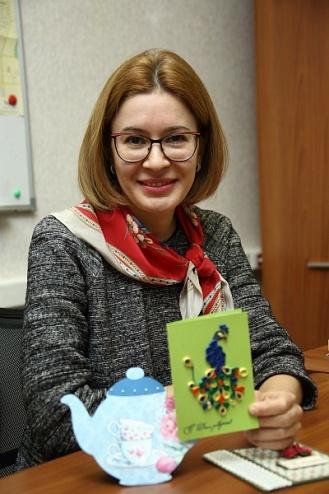 Сотрудница «КАМАЗа» создает оригинальные открытки