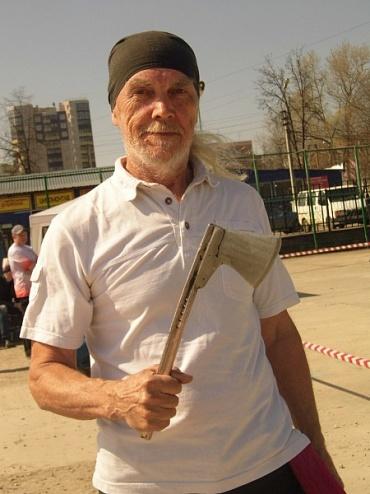 В Набережных Челнах живет чемпион мира по метанию ножей