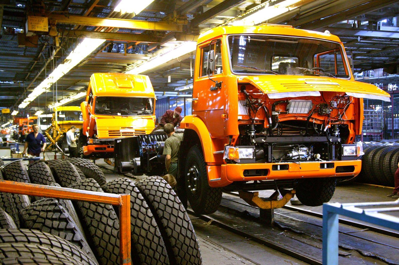 Рост рынка грузовых автомобилей воктябре составил около 5%
