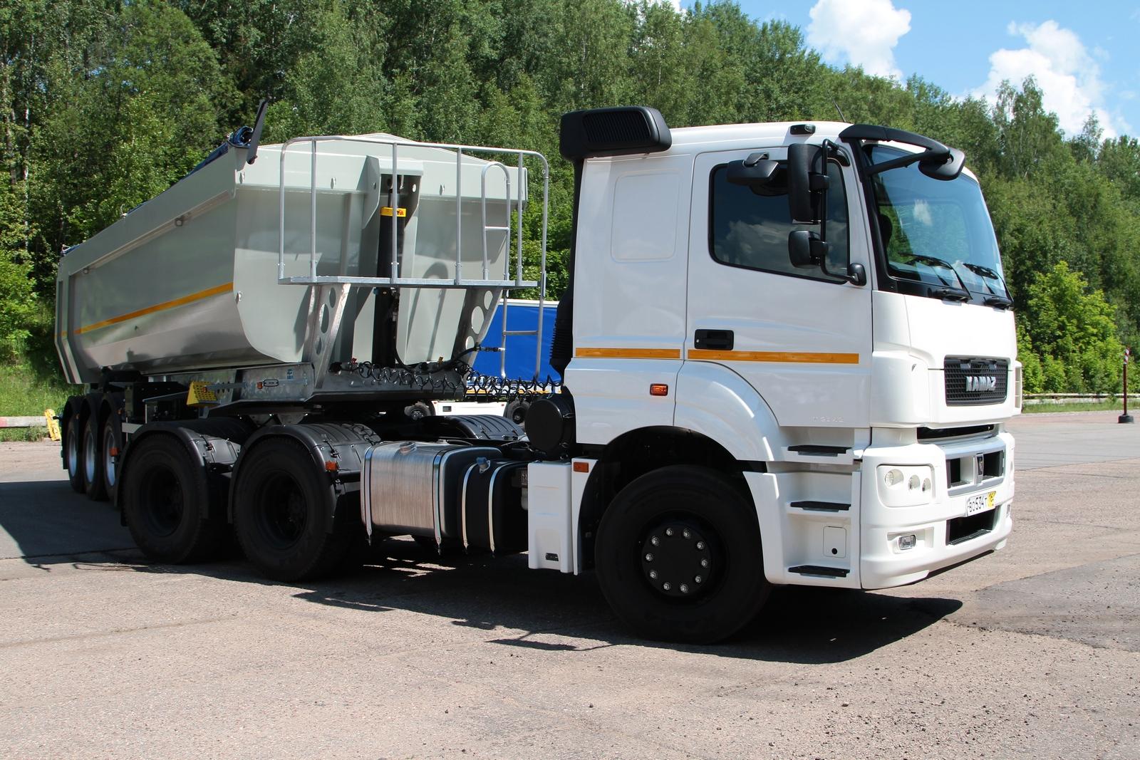 КАМАЗ-65206-T5 и НЕФАЗ-9509-016-30 – тандем для интенсивной работы