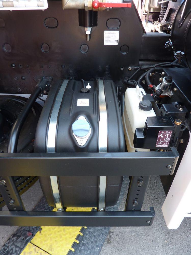 Ёмкость для мочевины свидетельствует о том, что двигатель OM 457LA нового КАМАЗа отвечает экологическим требованиям Euro 5