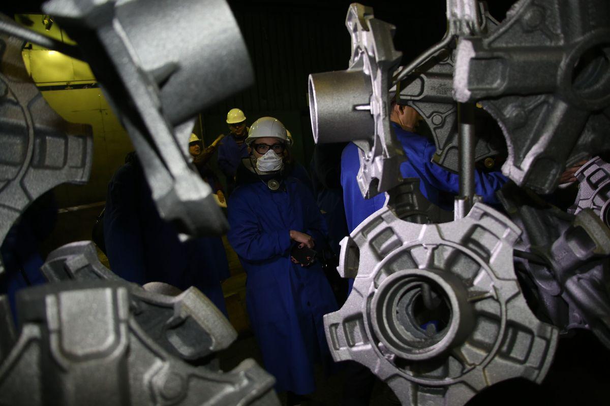 Фото дня: школьники на Литейном заводе ПАО «КАМАЗ»