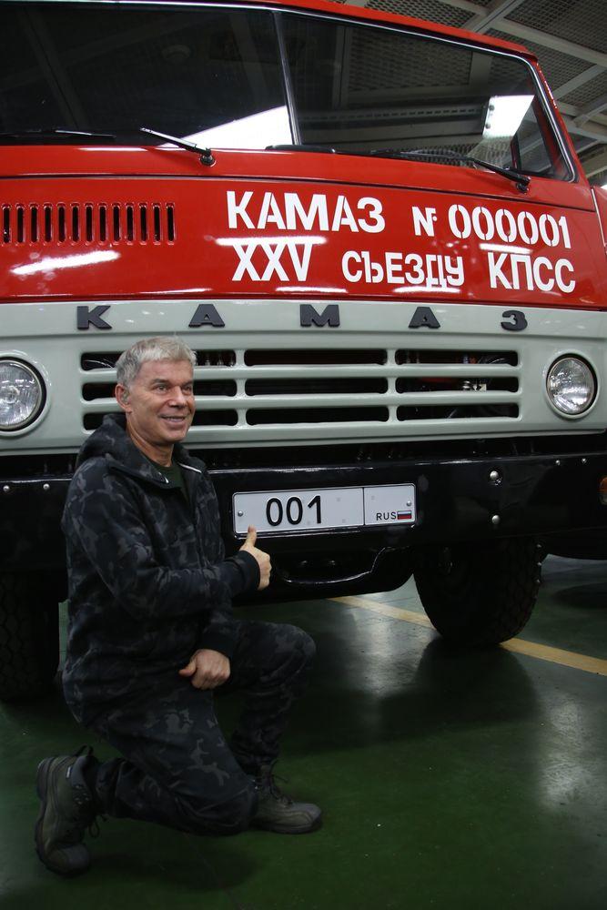 ПРЕЗИДЕНТ РОССИИ ВЛАДИМИР ПУТИН ПРИБЫЛ НА «КАМАЗ»