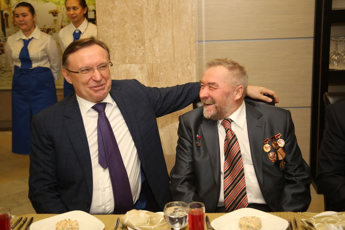 Генеральный директор ПАО «КАМАЗ» Сергей Когогин на встрече с камазовскими ветеранами - участниками выпуска первого КАМАЗа