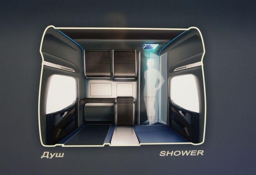 При желании во время стоянки, не выходя на улицу, перевозчик способен принять душ, благо в его распоряжении ростовая кабина с «лейкой»