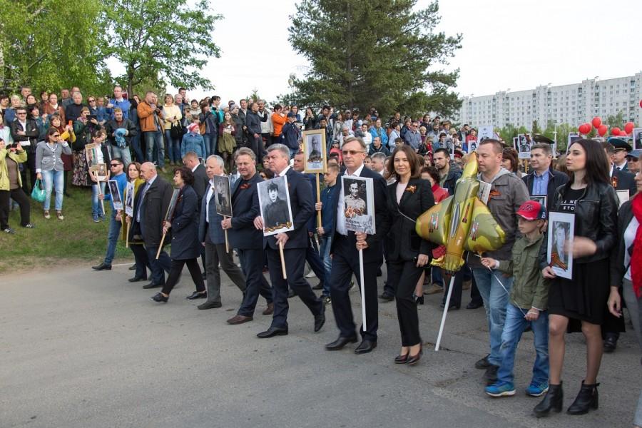Представители ПАО «КАМАЗ» и «Бессмертный полк»