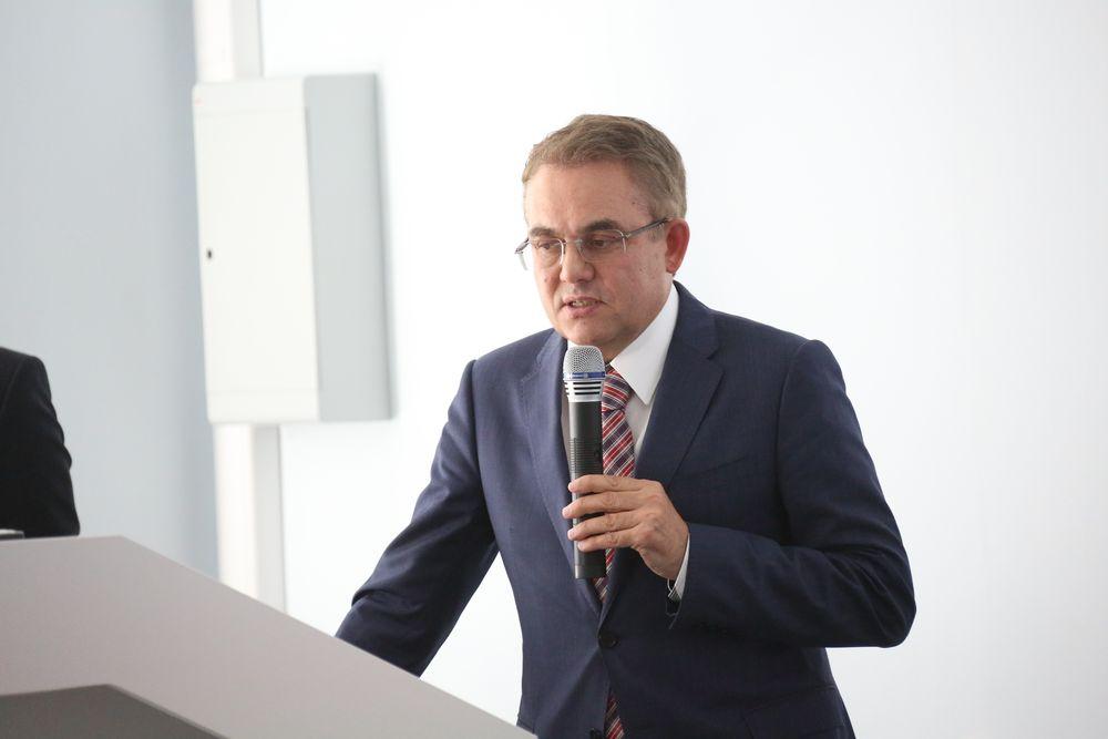 ТОП-МЕНЕДЖЕР «КАМАЗА» ВСТРЕТИЛСЯ СО СТУДЕНТАМИ КФУ