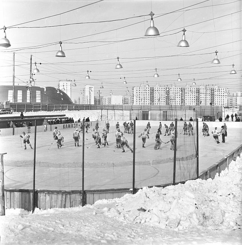 Сокровища камазовского музея XIII («Трус не играет в хоккей!»)