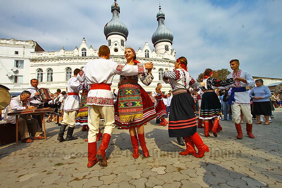 Борщівська вишиванка-2016 і фестиваль