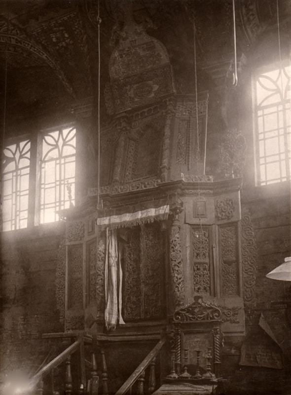 Арон-койдеш синагоги в селищі Смотрич 1.jpg