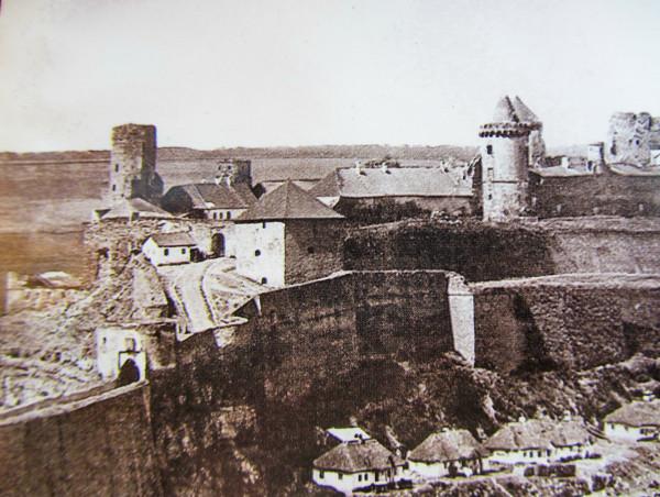 Замок с севвостока1