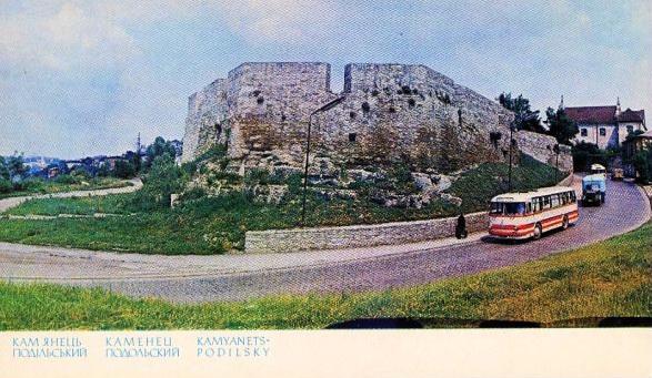 15. Вірменські  бастіони. Памятка архітектури XVI ст.