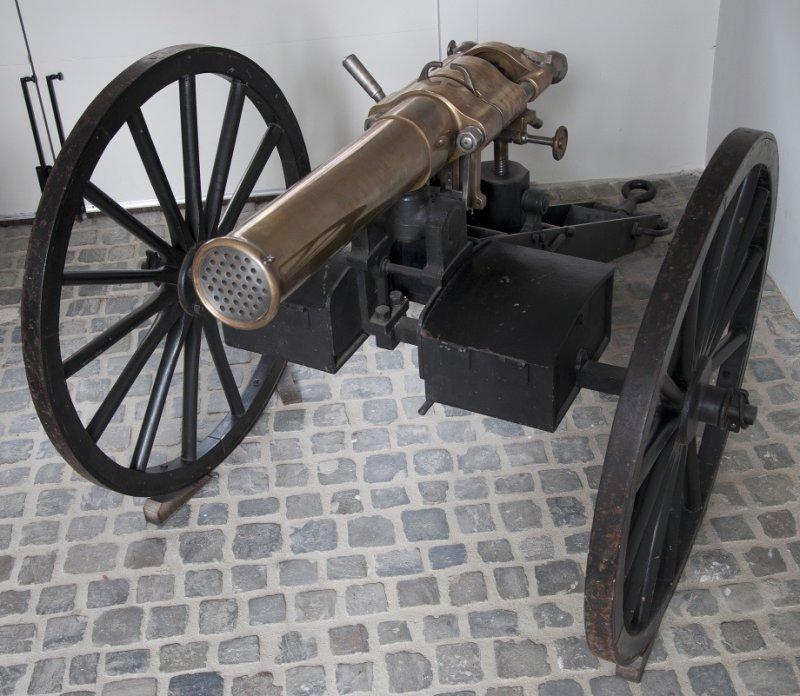 1398083761_mitrailleuse-gun-920-21