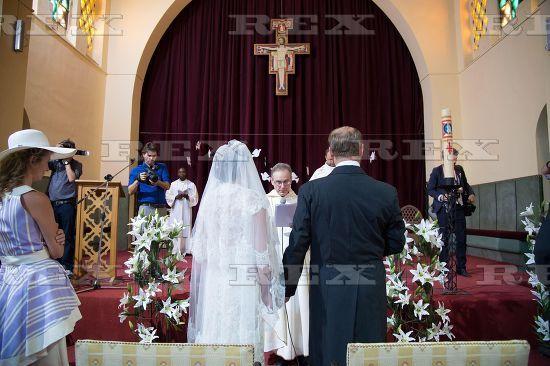 http://ic.pics.livejournal.com/kapenot88/65584176/127917/127917_600.jpg