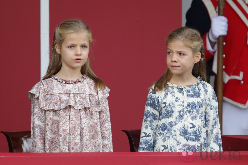 64895_princesa-leonor-infanta-sofia-primer-dia-hispanidad-2014