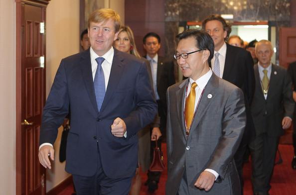 King+Willem+Alexander+Netherland+Visits+South+asZ9VI4-fBMl