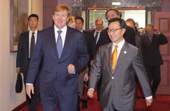 King+Willem+Alexander+Netherland+Visits+South+afbMPmF20hwl