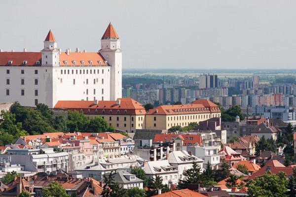 1331824390_Bratislava01