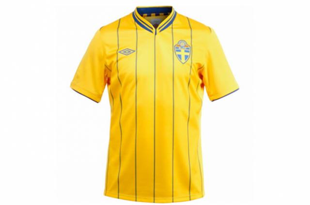 Новая форма сборной Украины напоминает старую модель шведской.