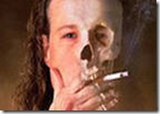 Кто курит, у того мозги тоньше, а значит меньше, значит курильщик глупее