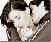Поцелуй взасос может нанести травму