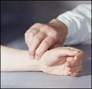 Пульс у пациента не прослушивая из-за жировых складок