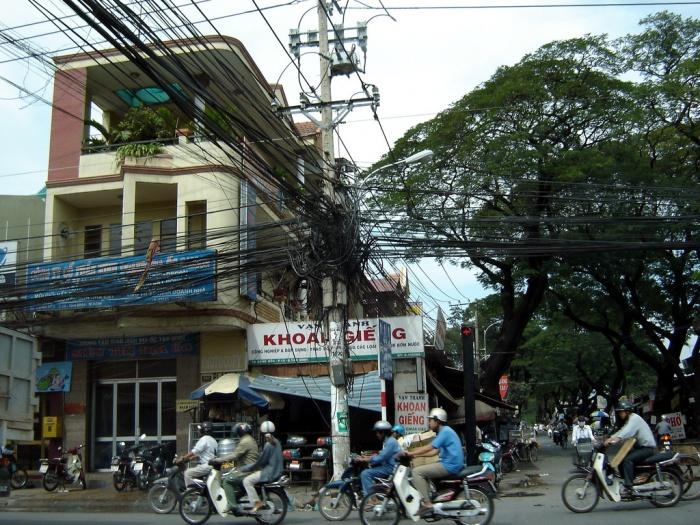 Почему в тайланде много проводов