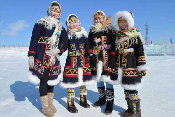 Долганские девочки в национальной одежде