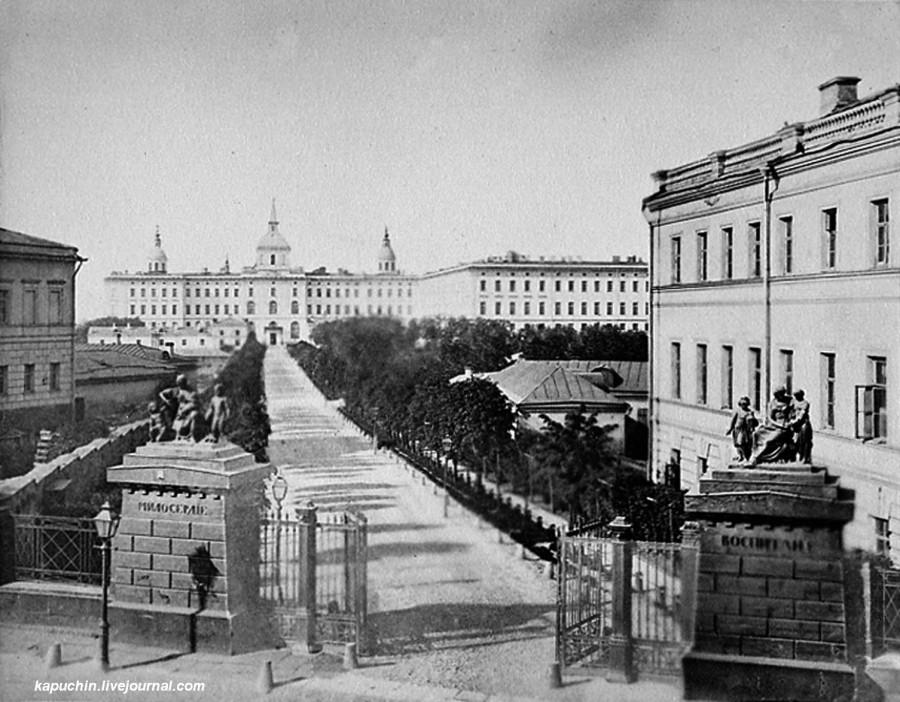 Воспитательный дом, начало 1880-х годов
