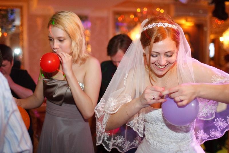 Фотография со свадьбы, ведущий Алексей Громыко с сайта treda.ru
