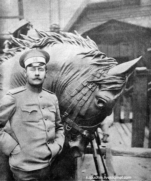 Подполковник  П.А. Самонов, автор проекта памятника