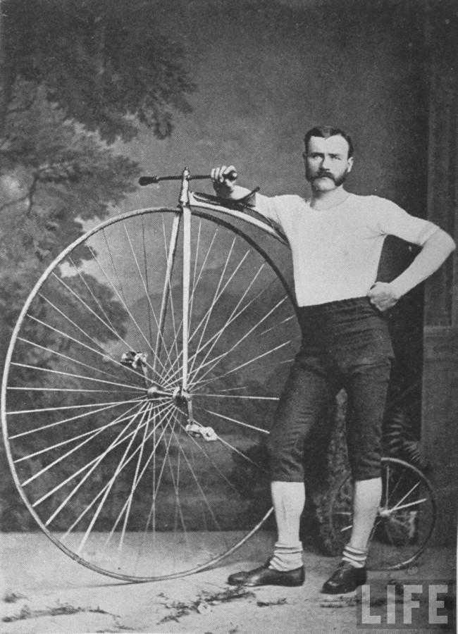 Велосипед пенни-фартинг Великобритания 1875 год