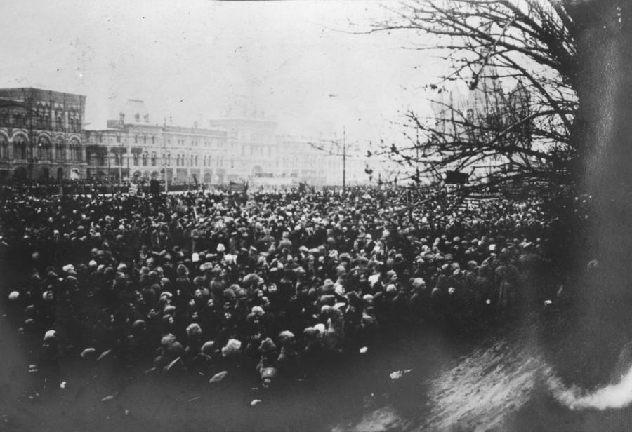 Похороны сторонников большевиков