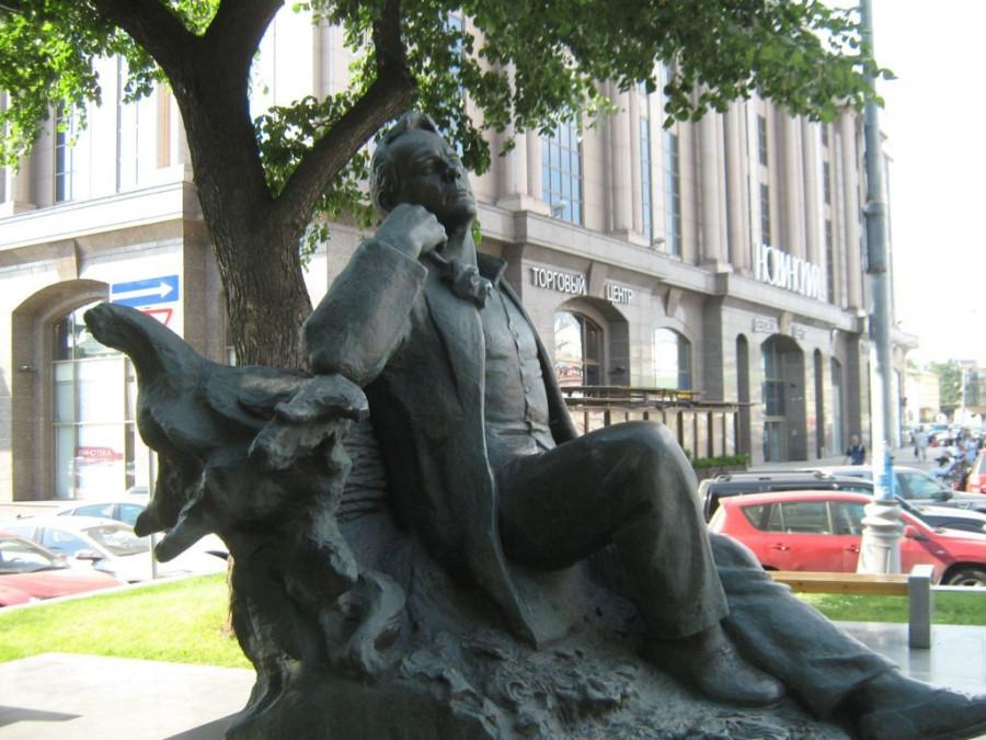 Памятник Шаляпину 2