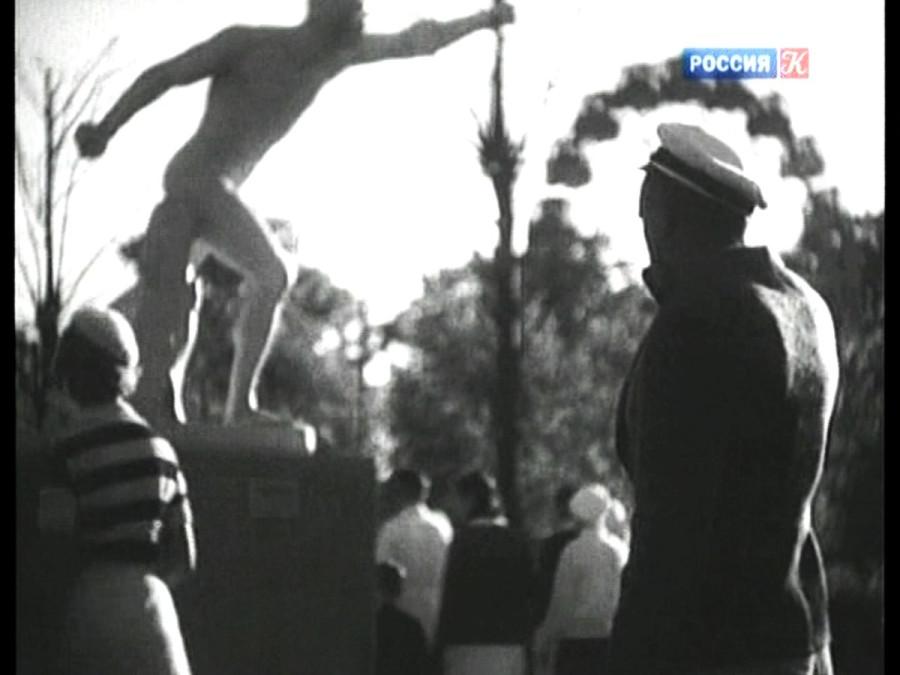 Кадр из фильма Частная жизнь Петра Виноградова 1934 год